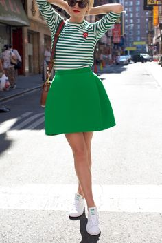 Green outfit ideas for spring // green stripe, gucci, adidas, and delpozo // How to wear sneakers with a skirt Street Style 2016, Street Style Looks, Miranda Kerr, Stan Smith Outfit, Preppy Style, My Style, Skirt And Sneakers, Fru Fru, Dressing