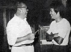 Bruce Lee with Lo Wei director of The Big Boss Bruce Lee, The Big Boss, Enter The Dragon, Little Dragon, On Set, True Stories, Martial Arts, Behind The Scenes, Baroque Pearls