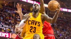 LeBron James (33 points), Cavs even up East semis with win over Bulls