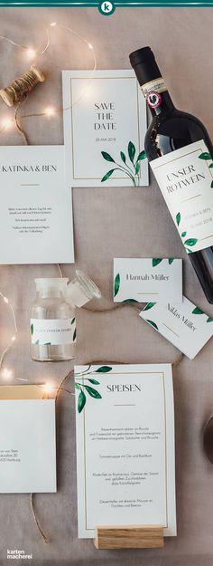 Wundervolle Hochzeitspapeterie, die in reduzierter Weise mit grünen Blättern spielt. Ein Goldrahmen gibt den Karten eine edle Note.