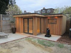 L-shape garden room # backyard shed Shed Office, Backyard Office, Backyard Studio, Backyard Sheds, Garden Office, Shed Cabin, Diy Storage Shed, Outdoor Storage, Storage Ideas
