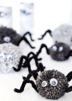 DIY Halloween Deko   Basteln Mit Kindern   PomPom Spinne Mit Wackelaugen  Und Beinen Aus Pfeifenreiniger