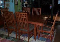dining room table and chairs! 6 total!