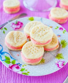My families favorite Cream Wafer Sandwich Cookies-original recipe from Betty Cro. Holiday Cookie Recipes, Easy Cookie Recipes, Holiday Desserts, Galletas Cookies, Xmas Cookies, Summer Cookies, Drop Cookies, Candy Cookies, Heart Cookies