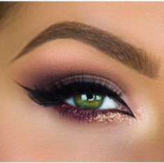 Purple cat eye with a pop of rose gold glitter!