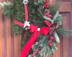 TheMiraclePony on Etsy Horse Head Wreath, Horse Art, Christmas Wreaths, Etsy Seller, Horses, Create, Holiday Decor, Unique, Christmas Garlands
