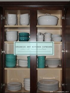 Have 15 minutes to spare? That's all you need to organize ANY kitchen cupboard. Really!