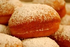 Sufaganiyot in the bread machine (jelly doughnuts) ...remember to try it with nutella!