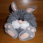 Chubby bunny made with a Coniglietto cicciotto realizzato con un pompon Chubby bunny made with a pompon - Rabbit Crafts, Bunny Crafts, Cute Crafts, Easter Crafts, Crafts For Kids, Pom Pom Crafts, Yarn Crafts, Felt Crafts, Pom Pom Owl