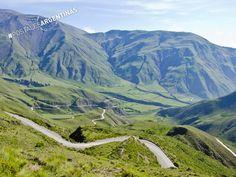 A 57 km de la ciudad de Salta, la Cuesta del Obispo nos ofrece un impactante recorrido en cualquier época del año. #CompartíArgentina #PostalesArgentinas