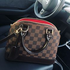 New LV Collection for Louis Vuitton. New LV Collection for Louis Vuitton. Louis Vuitton Designer, Louis Vuitton Taschen, Louis Vuitton Keepall, Vintage Louis Vuitton, Louis Vuitton Handbags, Purses And Handbags, Cheap Handbags, Cheap Purses, Louis Vuitton Monogram