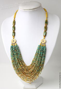 I love the colour grading of this necklace Chunky Jewelry, Boho Jewelry, Jewelry Crafts, Beaded Jewelry, Jewelery, Jewelry Necklaces, Jewelry Design, Fashion Jewelry, Seed Bead Necklace