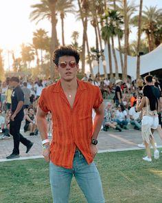Coachella Outfit Men, Rave Outfits Men, Cochella Outfits, Coachella Looks, Stylish Mens Outfits, Festival Looks, Art Festival, Music Festival Outfits, Festival Fashion