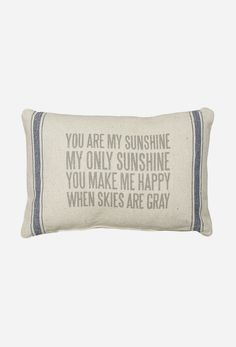 I've sang this song to my lil one since she was born. Live this pillow must have one