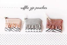 ruffle zip pouch free sewing pattern
