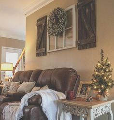 See this photo by Bethany Cochran gallery wall above couch DIY decor barnwood handmade shutters farmhouse christmas pallet project diy farmhouse decor christmas decor rustic reclaimed wood repurposed window decor Diy Home Decor Rustic, Country Farmhouse Decor, Handmade Home Decor, Farmhouse Style, Country Living, Modern Farmhouse, Modern Rustic, Rustic Style, Rustic Theme