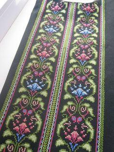 Cross-stitch-Flower-Pattern-Uk