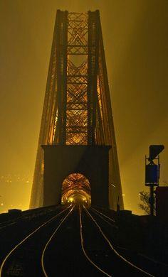 Forth Bridge, Edinburgh, Scotland #WorldBeautifulPlaces #Edinburgh