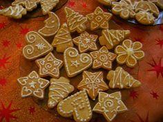 Nagyi titkai a házias ízekről receptekkel: Mézeskalács recept Christmas Gingerbread, Gingerbread Cookies, Holiday Cookies, Biscotti, Cookie Recipes, Deserts, Foods, Cakes, Gingerbread Cupcakes