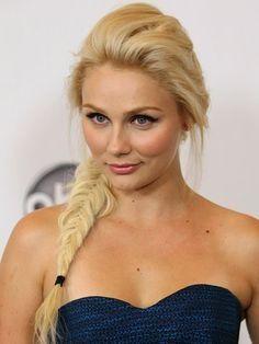Clare Bowen aka Scarlett O'Connor from Nashville. Love this girl. Love her hair. Love her style. Love love love!