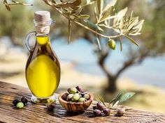 Snacks For Work, Healthy Work Snacks, Natural Home Remedies, Herbal Remedies, 100 Calories, Olive Oil Uses, Olive Oils, Remedies For Kidney Infection, Types Of Olives