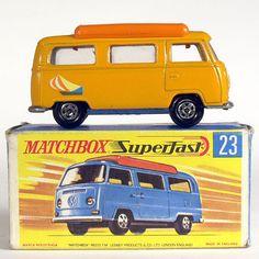 Volkwagen T2 camper Orange MB23
