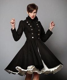 El estilo Lady tan característico de los años 50 vuelve cada vez con más fuerza. Abrigos en tonos pastel, con vuelo... FASHION COATS ...