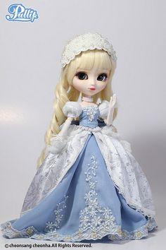 Pullip Princess Dahlia Cinderella
