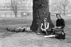 Françoise Hardy et Serge Gainsbourg à Hyde Park Reporter Photographe, Francoise Hardy, Serge Gainsbourg, Hyde Park, Portrait, Studio, Couple Photos, Artist, Photography