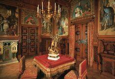 neuschwanstein dining room - Oblozena rezbarenom hrastovinom , ukrasena slikama Ferdinand van Piloty i Josef Aigner