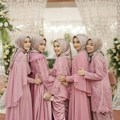 40 Trendy Wedding Table Flowers And Candles Wine Glass - Prom Dresses Design Hijab Gown, Kebaya Hijab, Hijab Dress Party, Hijab Style Dress, Kebaya Dress, Kebaya Muslim, Batik Kebaya, Turban Hijab, Hijab Outfit