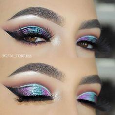 "WEBSTA @sofia_torress Look Inspired by @ayeeshabx Makeup Details LASHES: @shopsofiebella NEW ""Havana Heat"" Lashes Now Available ShopSofieBella.com EYES: @shopvioletvoss The Rainbow Eyeshadow Palette ""Violet"""