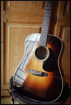 Sigma acoustic guitar - See acoustic guitar ratings and reviews at: http://acousticguitarratingsandreviews.downloadplrarticles.net/