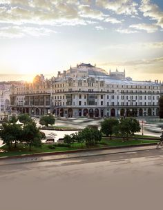 Someone teleport us to Hotel Metropol in Moscow, Russia. This place is made for kings and queens.   #DreamPlayUnite