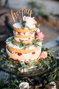 春気分満開♡ たっぷりのお花で飾るウェディングケーキおすすめデザイン10 | ブライダルギャラリー もっと見る