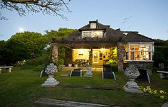 A picturesque Bed and Breakfast in the heart of the suburbs of Walmer in Port Elizabeth, South Africa
