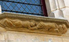 Palais Jacques Coeur. Bas-relief représentant un couple qui se dispute