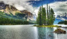 Fonds decran x Parc Canada Maligne Lake Parc Jasper Wonderful Places, Great Places, Places To See, Beautiful Places, Travel Wallpaper, Scenery Wallpaper, Jasper National Park, National Parks, Brown Wallpaper