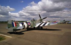 Fighter Meet '95 - This is Dutch Spitfire MK732 with Invasion Stripes