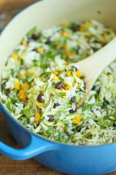 Zucchini Rice - A quick and easy side dish that's not only fresh, healthy, and hearty but it goes well with anything and everything! from Damn Delicious® Vegetable Recipes, Vegetarian Recipes, Healthy Recipes, Side Dishes Easy, Side Dish Recipes, Rice Dishes, Food Dishes, Zucchini Rice, Recipe Zucchini