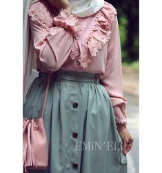 Image about fashion in Hijab 💙✨ by Hoda Magdy Modern Hijab Fashion, Pakistani Fashion Casual, Muslim Fashion, Colorful Fashion, Modest Fashion, Skirt Fashion, Fashion Dresses, Hijab Evening Dress, Hijab Dress Party