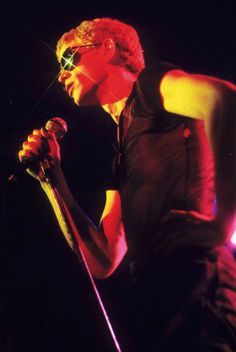 'Rock 'n' Roll Animal': High quality footage of Lou Reed live in concert, 1974