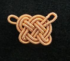 How to Determine Posament Knot Sizes Recreations of an Example of Each Posament Knot How to Determine Posament Knot Sizes In order to make the spiral Birka posaments, the only truly necessary item … Norse Vikings, Gold Wire, Fashion Bracelets, Spiral, Celtic, Knots, Swatch, Im Not Perfect, Jewelry Making