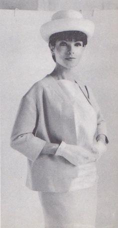 Votre Beaute - Avril 1961           Pierre Cardin        Jacqueline Godard        Jacques Griffe        Lanvin Castillo        Pierre Bal...