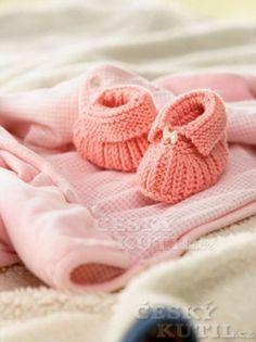 Knitting For Kids, Free Knitting, Baby Knitting, Knitting Patterns, Knitted Baby, Knitted Booties, Knit Boots, Knit Baby Shoes, Baby Booties