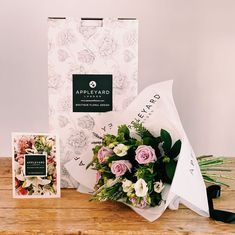 45 vind-ik-leuks, 1 opmerkingen - Appleyard London (@appleyardlondon) op Instagram: 'Treat a loved one to a luxury hand-tied bouquet! Scented Lavender is our beautiful arrangement of…' Hand Tied Bouquet, Veronica, Floral Design, Lavender, London, Lettering, Luxury, Beautiful, Instagram