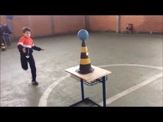 Luta Medieval - YouTube School Sports, Kids Sports, Sports Activities, Activities For Kids, Physical Education Lessons, Medieval Games, Pe Class, Team Building Games, Pe Ideas