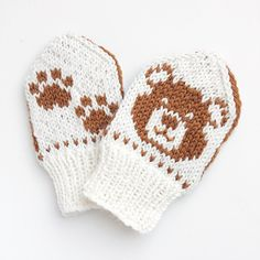 Ravelry: Baby Teddy pattern by Tonje Haugli Baby Hat Knitting Patterns Free, Knitted Mittens Pattern, Knit Mittens, Knitting For Kids, Knitted Hats, Crochet Patterns, Cross Stitch Pattern Maker, Baby Barn, Fair Isle Knitting