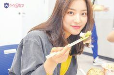 South Korean Girls, Korean Girl Groups, Girl Crushes, Fandom, Entertainment, Kpop, Hair Styles, Beauty, Women