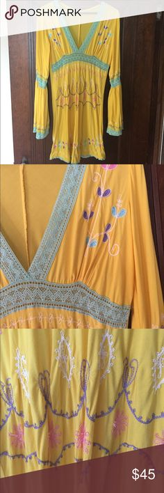 🌺 Debbie Katz tunic This is a beautiful and colorful tunic with long bell sleeves. It is bright yellow with pastel embroidery on front and back. Debbie Katz south beach Tops Tunics